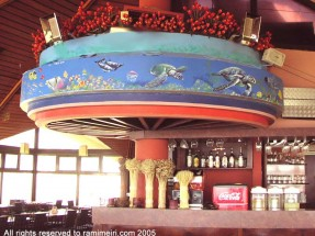 203__  _רמי מאירי - מסעדת _טוליפ_, חוף הים נתניה, 2005_